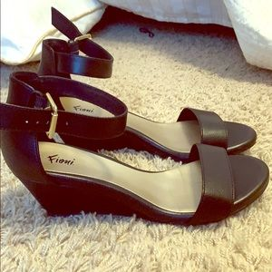 FIONI Clothing Shoes - Black wide wedge Fioni heels size 7.5 7.5w